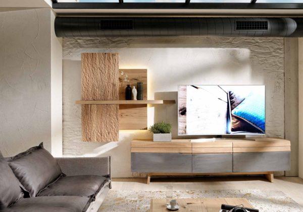 03: Wohnkombination in natürlichen Materialien aus Holz und Eisen