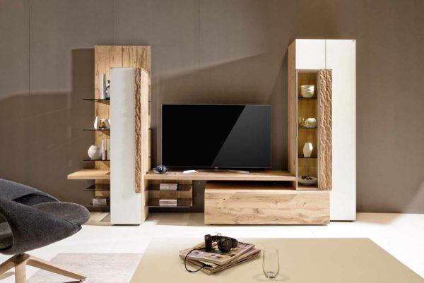 05: Wohnkombination in natürlichen Materialien aus Holz und Glas