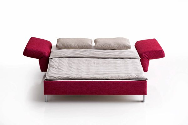 03: ... hier zum Bett verwandelt