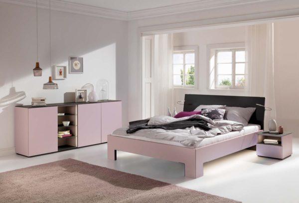 01: Schlafzimmer für Teenager in zeitlosen und trotzdem modernen Pastellfarben
