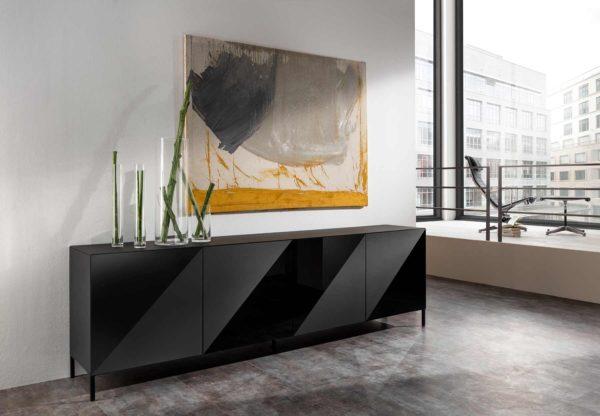 07: Designer Sideboard ganz in schwarz