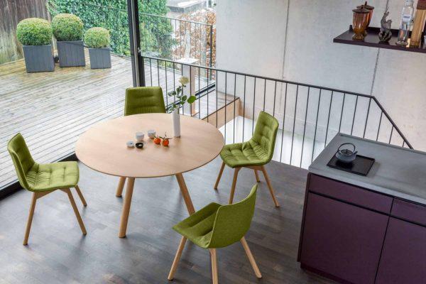 04: Moderner Tisch rund