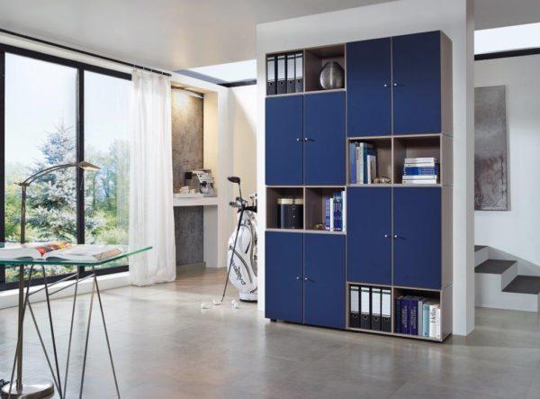 05: Gestell auch geeignet für Büroräume. Kann ebenfalls umgestellt oder erweitert werden