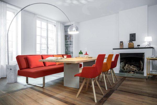 03: Das Diningsofa für aussergewöhnlichen Sitzkomfort am Tisch
