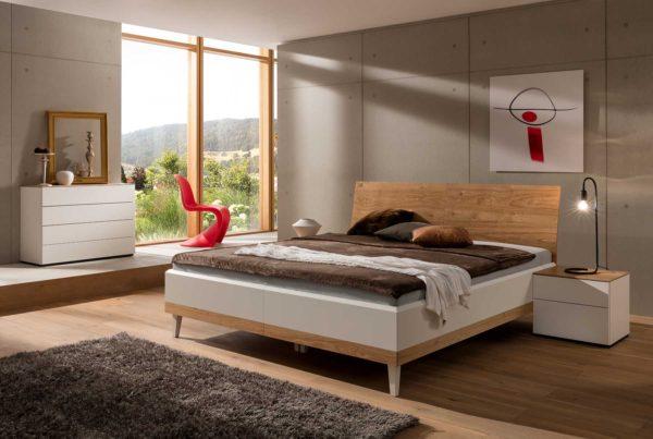 19: Highlight. Bett spaltfrei montiert und trotzdem lässt es sich voneinander nehmen. Bequem zum Reinigen unter dem Bett