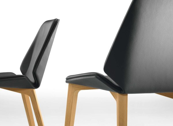 26: Elegant und bequem mit flexibler Sitzschale – in vielen Gestell- und Polstervarianten