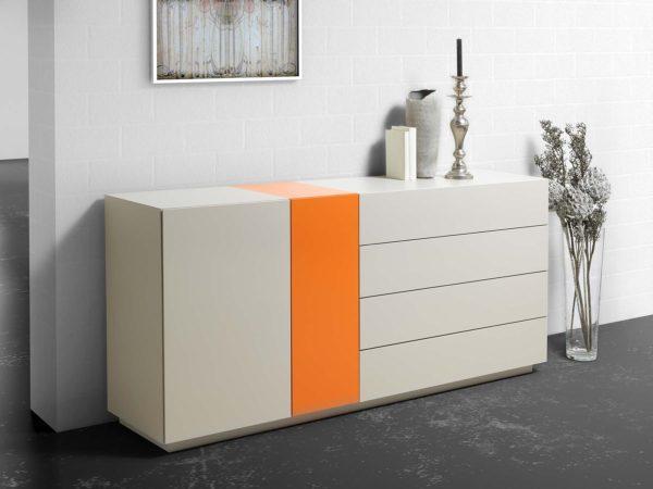 14: Frecher Farbeinsatz macht das Sideboard zu einem Unikat