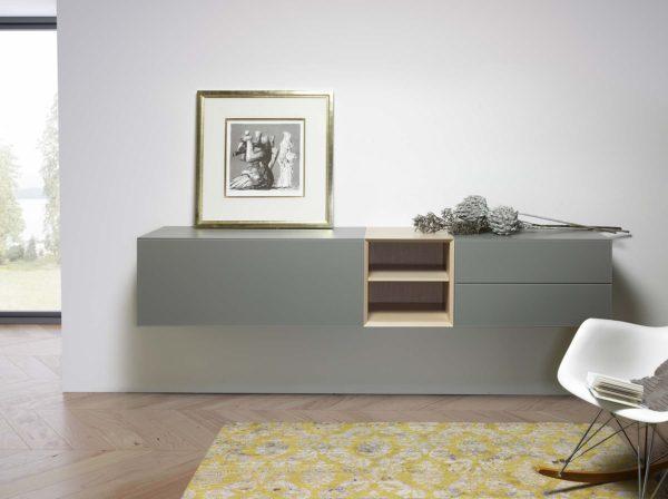 15: Sideboard mit Wandmontage