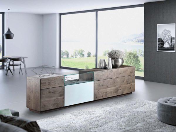 16: Sideboard mit offenem Glaseinsatzelement