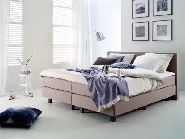 02: Boxspring-Bett ohne Verstelloptionen, 2 Boxen, 2 Matratzen, 1 durchgehender Topper 180 x 200 cm
