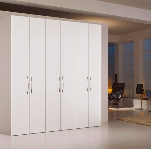 20: Schrank mit extra schmalen Türen, Griffe ebenfalls nach Wahl