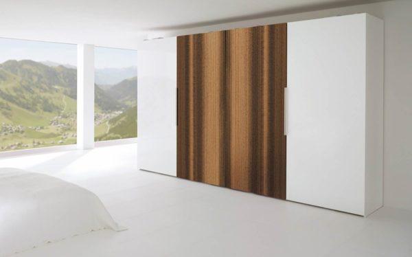 30: Schiebetürenschrank Monoplaner, 2 Türen in Glas weiss, 2 Türen in Amerikanischem Nussbaum